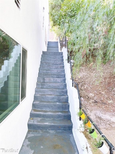 2 Bedrooms, Silver Lake Rental in Los Angeles, CA for $3,346 - Photo 1