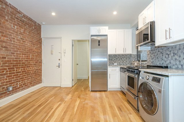 3 Bedrooms, Gramercy Park Rental in NYC for $3,400 - Photo 1