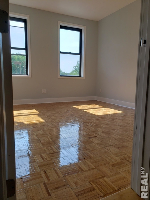 1 Bedroom, Jackson Heights Rental in NYC for $1,604 - Photo 1