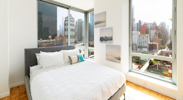 2 Bedrooms, Hell's Kitchen Rental in NYC for $3,871 - Photo 1