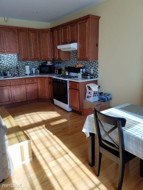 2 Bedrooms, Rego Park Rental in NYC for $2,200 - Photo 1
