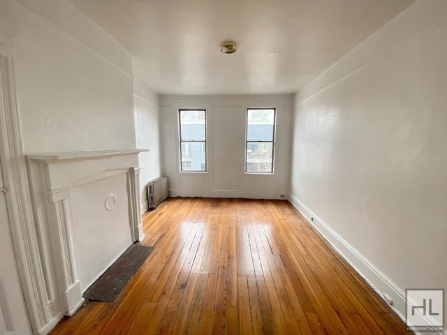 2 Bedrooms, Greenpoint Rental in NYC for $2,000 - Photo 1