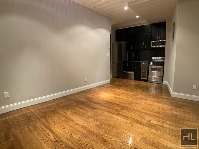 4 Bedrooms, Hell's Kitchen Rental in NYC for $4,125 - Photo 1