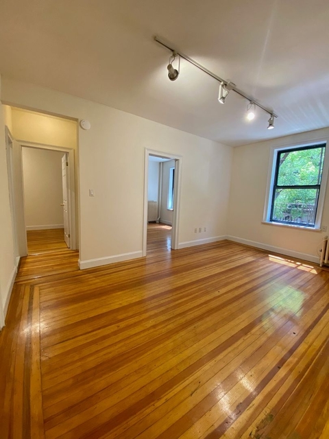 3 Bedrooms, Turtle Bay Rental in NYC for $2,126 - Photo 1