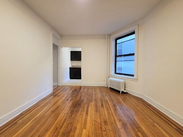 1 Bedroom, Astoria Rental in NYC for $1,805 - Photo 1
