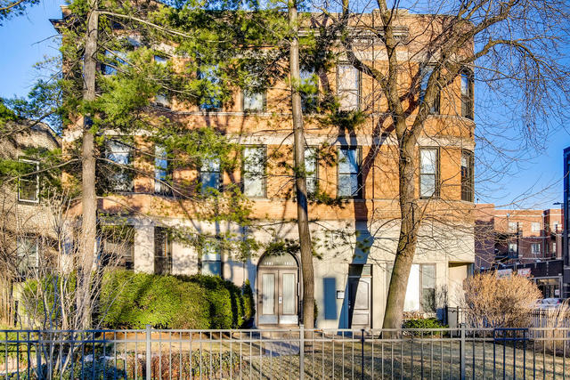 3 Bedrooms, Graceland West Rental in Chicago, IL for $2,400 - Photo 1