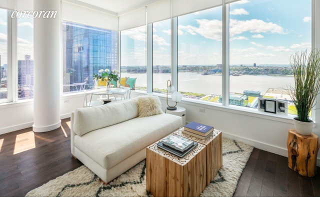 2 Bedrooms, Hell's Kitchen Rental in NYC for $7,100 - Photo 1