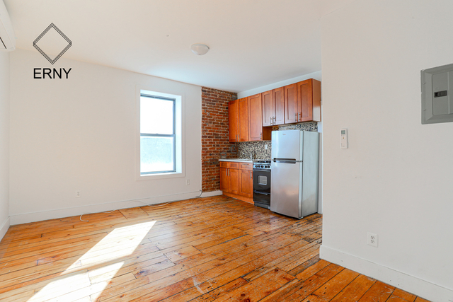 3 Bedrooms, East Williamsburg Rental in NYC for $2,275 - Photo 1
