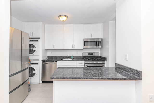 3 Bedrooms, Bedford-Stuyvesant Rental in NYC for $2,449 - Photo 1