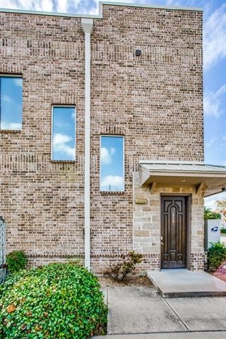2 Bedrooms, Jennings South Rental in Dallas for $1,800 - Photo 1