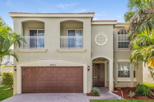 5 Bedrooms, Olympia Rental in Miami, FL for $2,825 - Photo 1