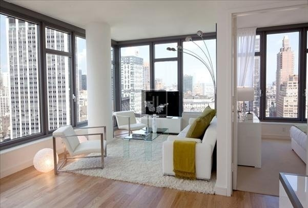 2 Bedrooms, Chelsea Rental in NYC for $5,606 - Photo 1