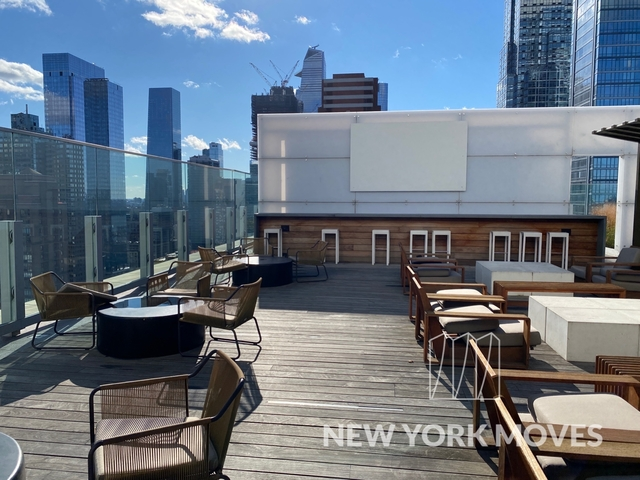 Studio, Hell's Kitchen Rental in NYC for $1,988 - Photo 1