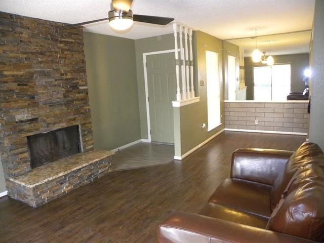 2 Bedrooms, Baywind Condominiums Rental in Houston for $1,000 - Photo 1