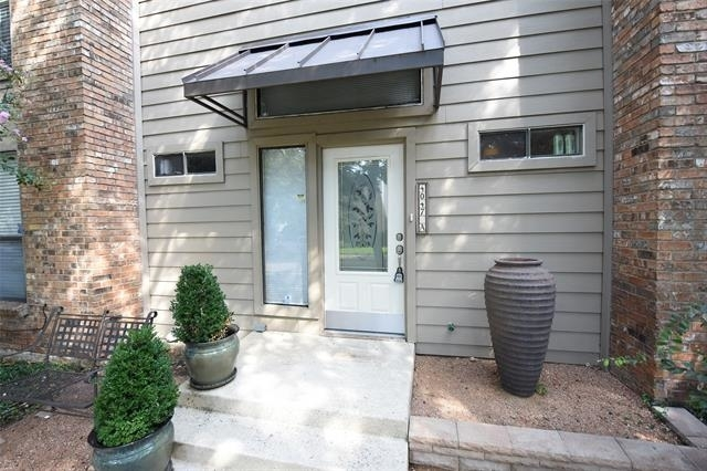 2 Bedrooms, North Oaklawn Rental in Dallas for $1,650 - Photo 1