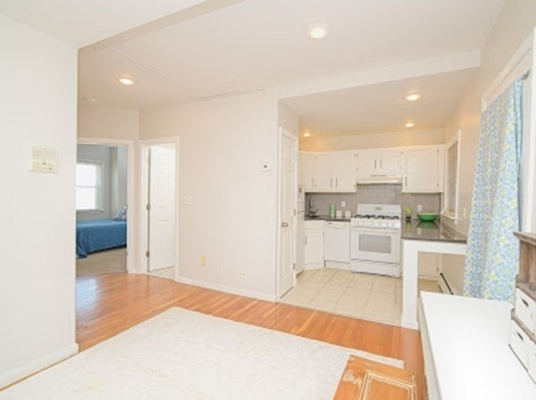2 Bedrooms, D Street - West Broadway Rental in Boston, MA for $2,000 - Photo 1