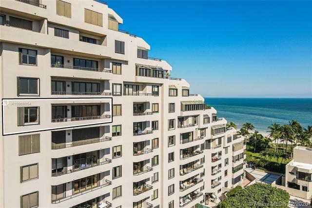 2 Bedrooms, Village of Key Biscayne Rental in Miami, FL for $5,000 - Photo 1