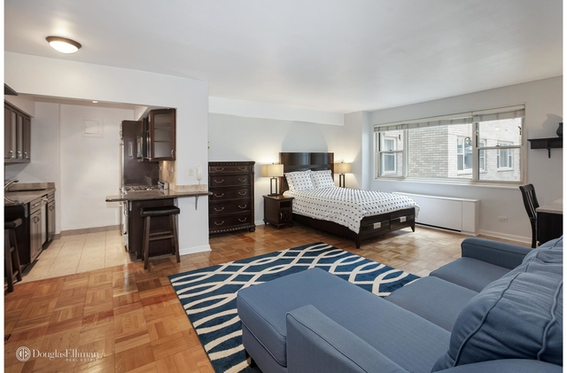 Studio, Theater District Rental in NYC for $1,999 - Photo 1