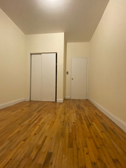 3 Bedrooms, Chelsea Rental in NYC for $3,391 - Photo 1