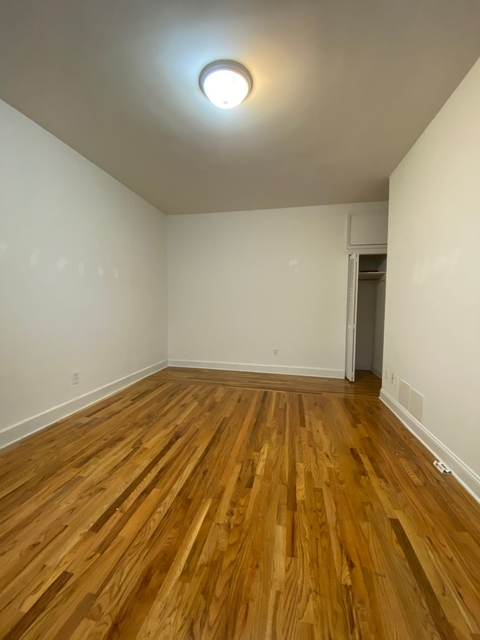 3 Bedrooms, Chelsea Rental in NYC for $3,575 - Photo 1