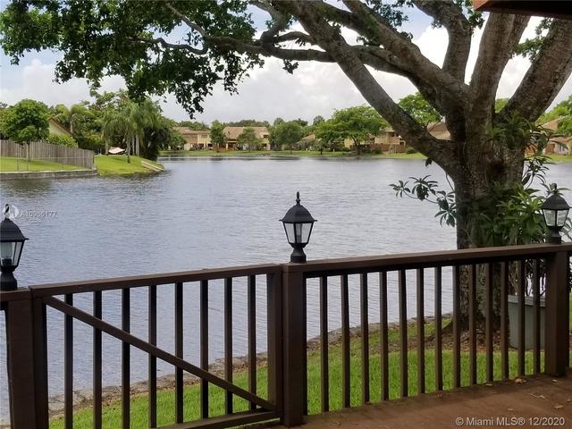 2 Bedrooms, Villas of Plantation Rental in Miami, FL for $2,200 - Photo 1