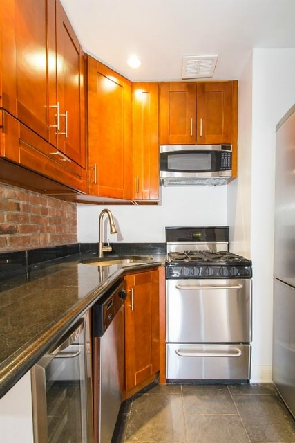 3 Bedrooms, Alphabet City Rental in NYC for $3,246 - Photo 1