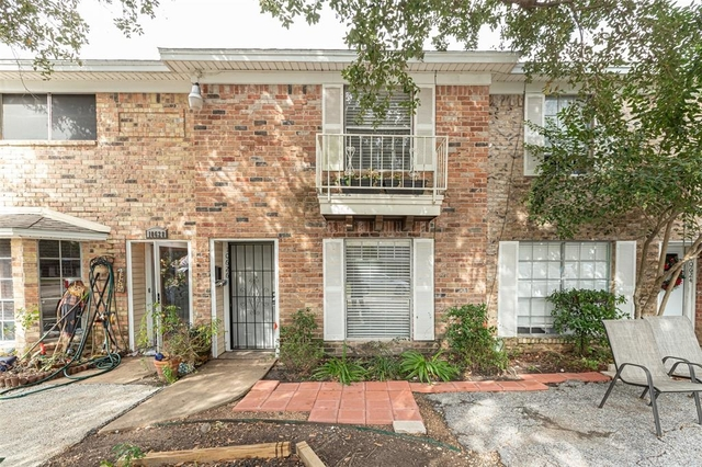 2 Bedrooms, The Colony Townhome Rental in Houston for $1,198 - Photo 1