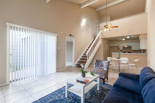 2 Bedrooms, Fondren Southwest Tempo Townhome Rental in Houston for $1,195 - Photo 1