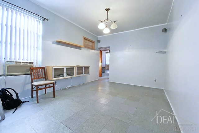 3 Bedrooms, East Williamsburg Rental in NYC for $2,300 - Photo 1