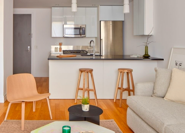 Studio, Hell's Kitchen Rental in NYC for $2,170 - Photo 1
