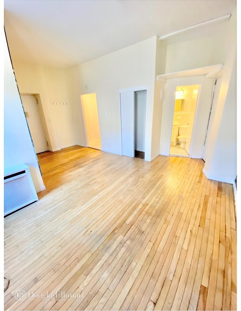 1 Bedroom, Lincoln Square Rental in NYC for $1,995 - Photo 1
