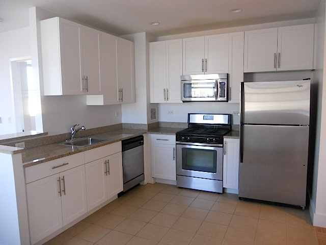 2 Bedrooms, Rego Park Rental in NYC for $2,156 - Photo 1