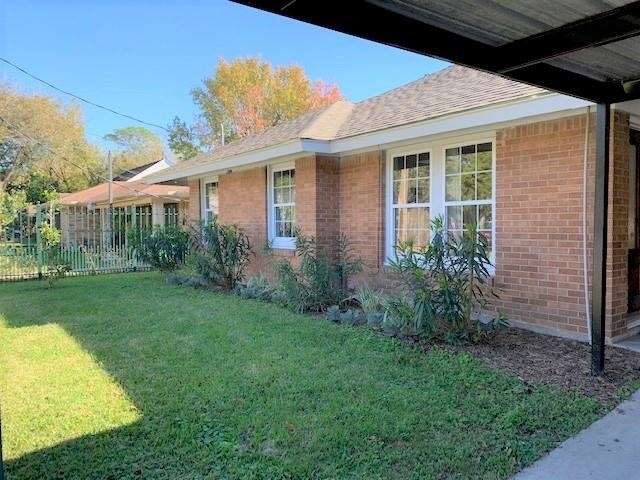 2 Bedrooms, Lindale Park Rental in Houston for $1,750 - Photo 1