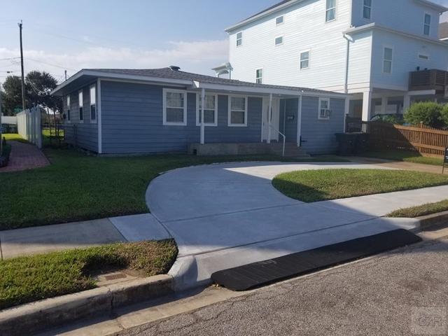 3 Bedrooms, Bayou Shore Rental in Houston for $2,000 - Photo 1