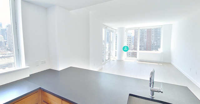 3 Bedrooms, Hell's Kitchen Rental in NYC for $6,274 - Photo 1