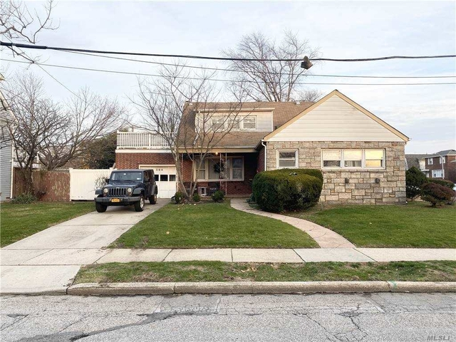 3 Bedrooms, East End South Rental in Long Island, NY for $3,200 - Photo 1