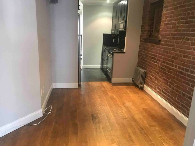 3 Bedrooms, Hell's Kitchen Rental in NYC for $2,770 - Photo 1