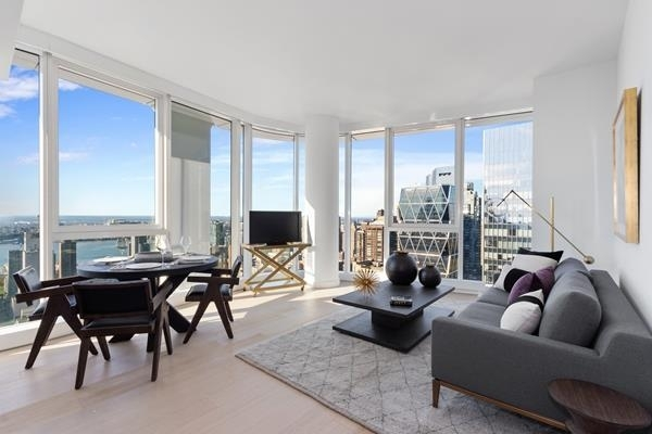 3 Bedrooms, Theater District Rental in NYC for $6,836 - Photo 1