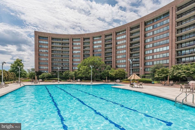 2 Bedrooms, Crystal City Shops Rental in Washington, DC for $3,099 - Photo 1