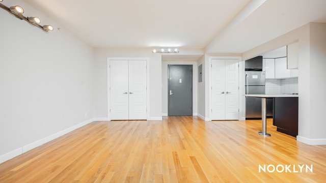 3 Bedrooms, Crown Heights Rental in NYC for $3,000 - Photo 1