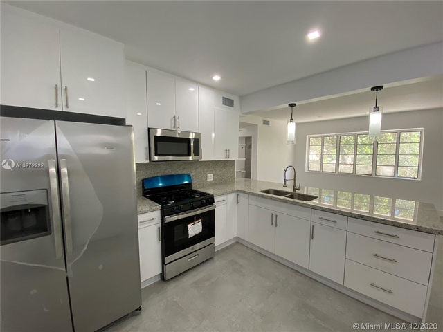 2 Bedrooms, Riverview Rental in Miami, FL for $1,900 - Photo 1