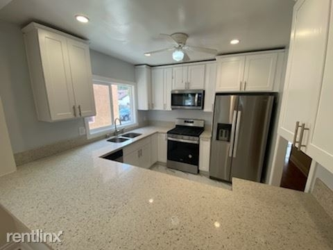2 Bedrooms, Hollywood United Rental in Los Angeles, CA for $3,200 - Photo 1