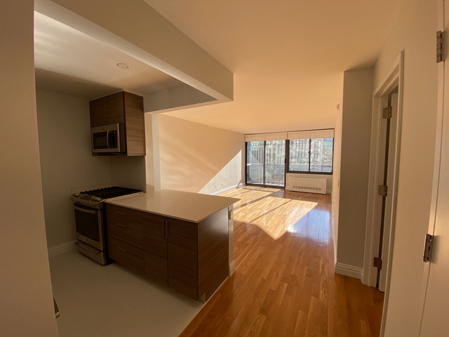 2 Bedrooms, Theater District Rental in NYC for $5,139 - Photo 1