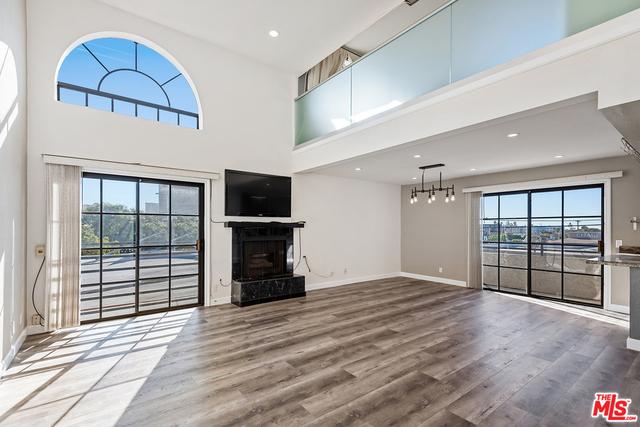 2 Bedrooms, Mar Vista Rental in Los Angeles, CA for $3,700 - Photo 1