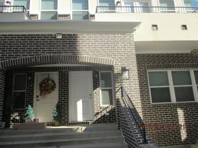 3 Bedrooms, Arlington Rental in Dallas for $2,395 - Photo 1