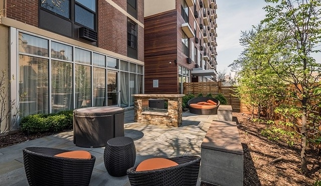 2 Bedrooms, Lake View East Rental in Chicago, IL for $2,030 - Photo 1