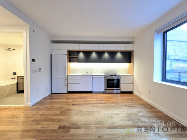 Studio, Long Island City Rental in NYC for $2,500 - Photo 1