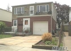 3 Bedrooms, East End South Rental in Long Island, NY for $3,000 - Photo 1