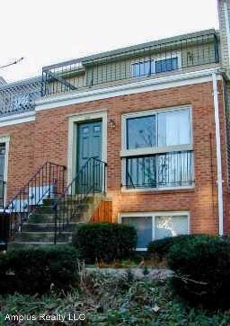 2 Bedrooms, Lyon Park Rental in Washington, DC for $2,300 - Photo 1
