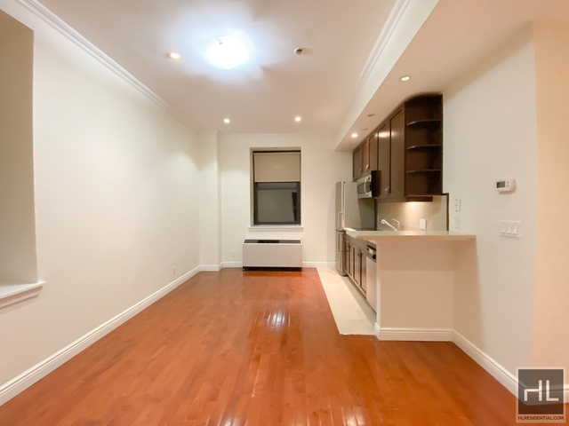 2 Bedrooms, Garment District Rental in NYC for $3,100 - Photo 1